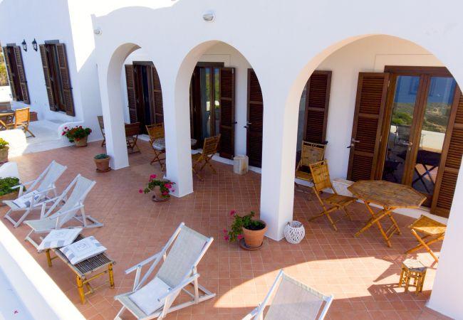 Affitto per camere a Ponza - B&B Il Gabbiano camera matrimoniale 01