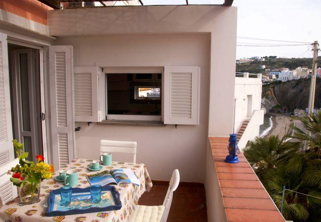 Appartamento a Ponza - Giancos 66