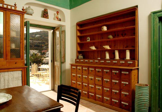 Villa a Ponza - La Scalinatella 121