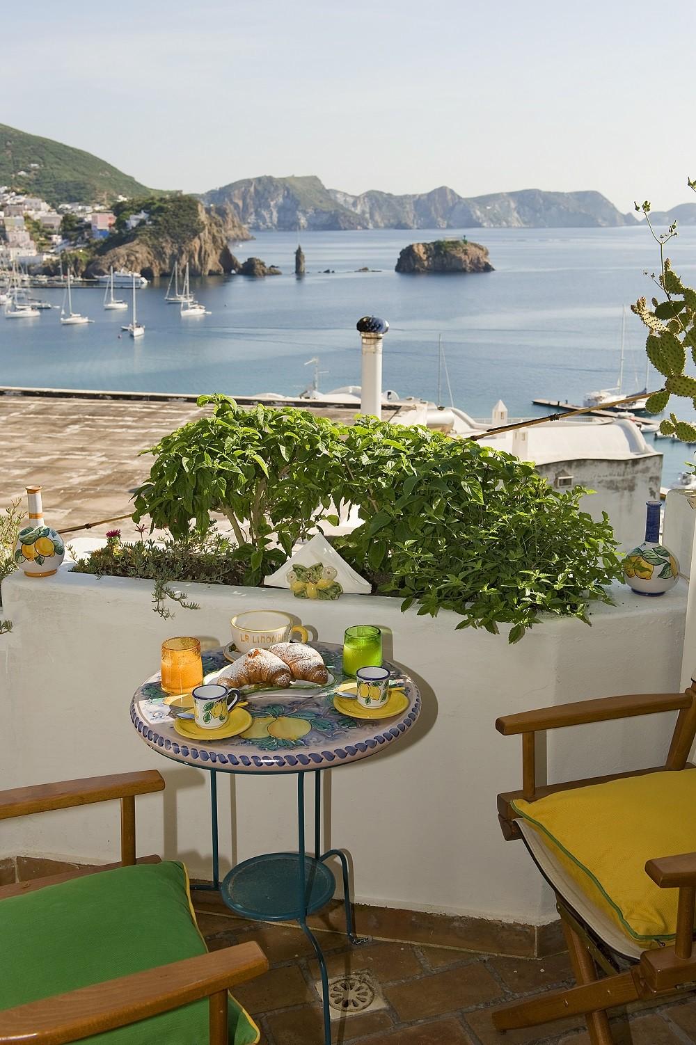 Affitto per camere in ponza b b la limonaia a mare 02 for Camere affitto
