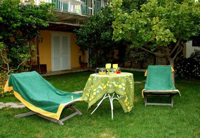 Affitto per camere a Ponza - b&b La Limonaia a mare 02