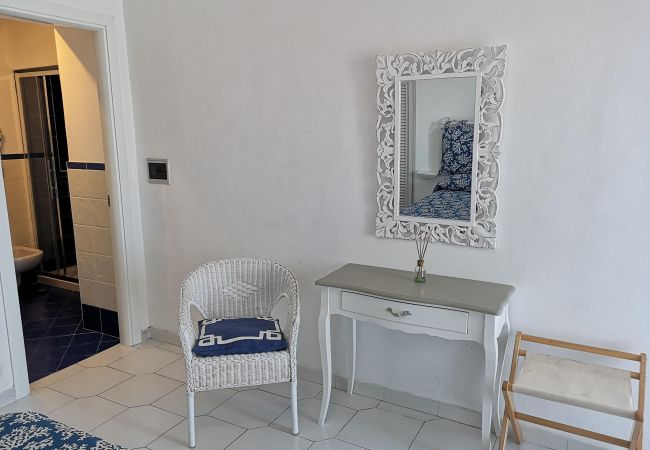 Zimmeranmietung in Ponza - b&b Casa d'aMare - Il Mare in una stanza -