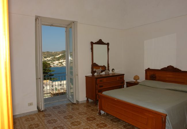 Ferienwohnung in Ponza - Madonna 87