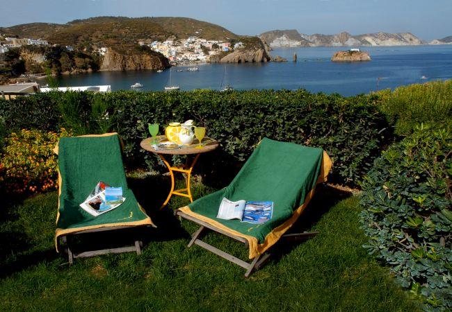 Rent by room in Ponza - b&b La Limonaia a mare 03